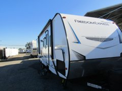 2020 COACHMEN FREEDOM EXPRESS 29SE
